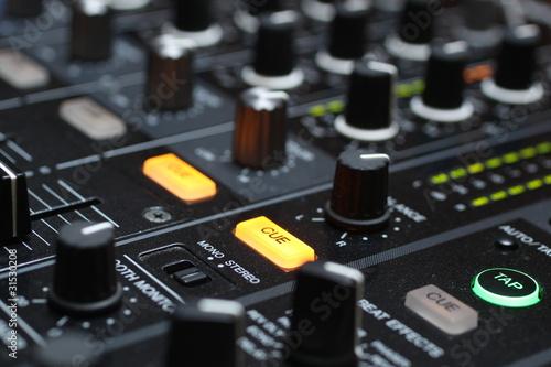 dj mixer 8