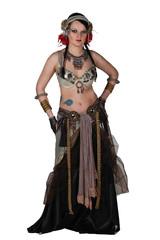 Frau in Kostüm