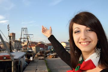 ragazza al porto