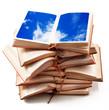libri aperti con cielo