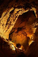 В одном из залов пещеры Победа.
