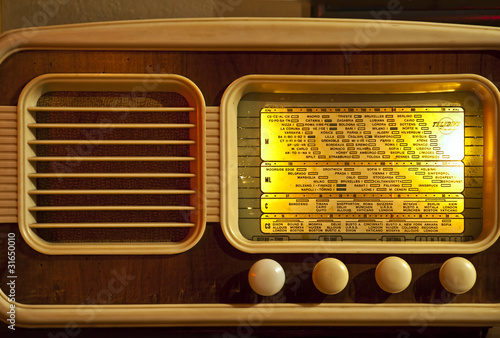 retro  working radio