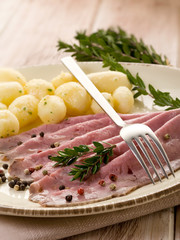 roast beef with potatoes