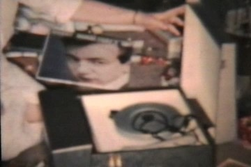 New Record Player For Christmas (1958 Vintage 8mm)