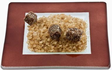 cristaux de sucre de canne et morceaux de cassonade
