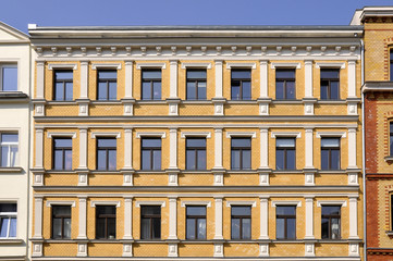 Gründerzeit Fassade Gelb
