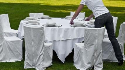 Hochzeitstafel eindecken