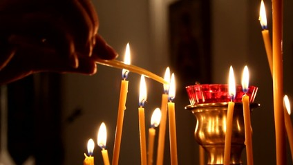 Горящие свечи