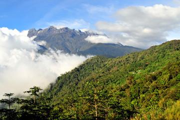 Berge im Dschungel Borneo