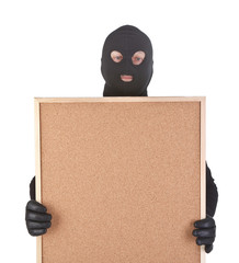 bandit with empty corkboard