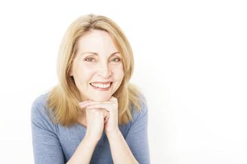 lachende Frau reiferen Alters