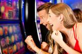 Fototapety Paar in Spielcasino