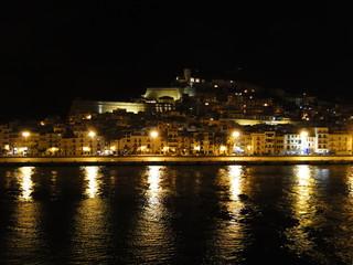La ciudad de Ibiza de noche
