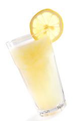 Lemonade with slinced lemon