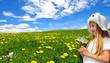 Mädchen  Blumenwiese Sonne Hut