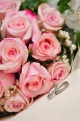 Brautstrauß + Eheringe