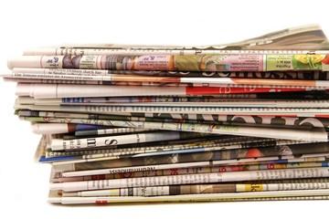 Zeitungspapierstapel