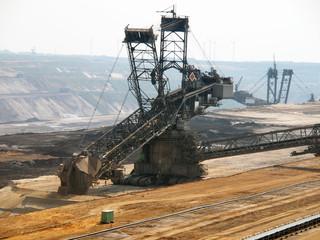 Schaufelradbagger im Braunkohle Tagebau