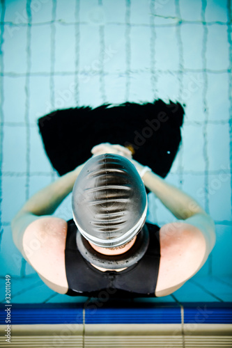 Diver focused before the start in competition