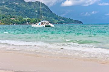 catamaran aux Seychelles