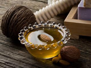 almond oil - olio di mandorle