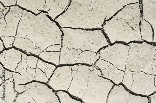 parched earth - 32128082