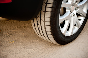 Auto Reifen mit  Alufelge