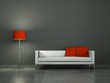 Weisses Sofa mit roter Stehlampe