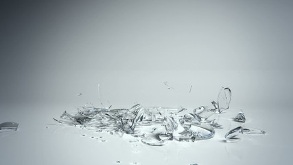 glass break - slow motion CG