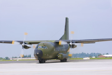 Transport Flugzeug