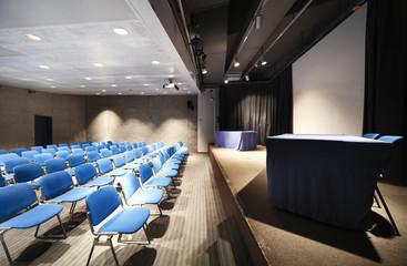interno di piccolo teatro
