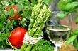 Weißwein mit Spargel