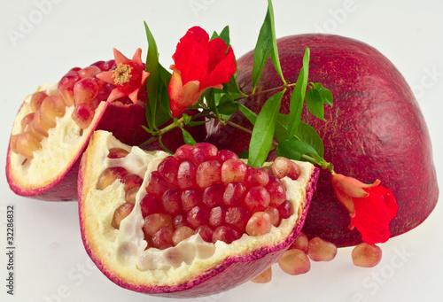 morceaux grenade fruit fleurs de unclesam photo libre de droits 32286832 sur. Black Bedroom Furniture Sets. Home Design Ideas
