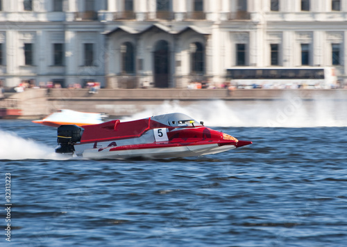 Fotobehang Formule 1 F1H2O powerboat on championship in Saint Petersburg