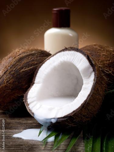walnut coconut milk with bath cream