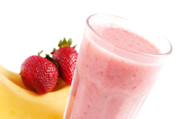 Banana strawberries smoothie