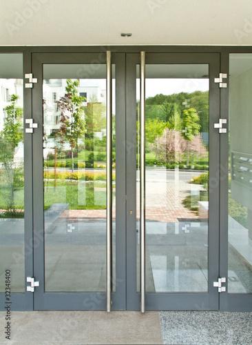 Glass door - 32348400