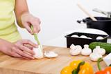 champignon in scheiben schneiden