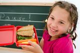 Fototapety Mädchen mit Brotbüchse