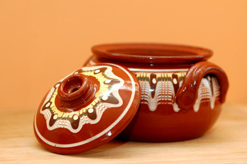 Handmade and -decorated Bulgarian Pottery