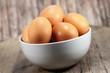 braune Eier in Schale