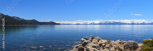 Foto op Aluminium Grote meren panoramic view of Lake Tahoe