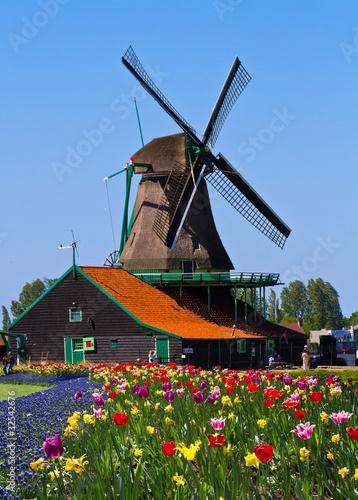 Fotobehang Vuurtoren / Mill windmill in holland