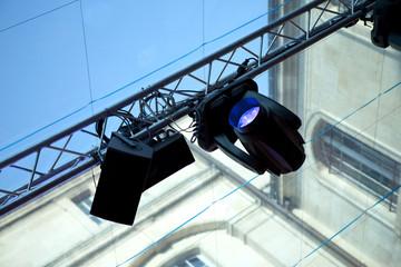 Spots, projecteurs, scène, light-show,spectacle, régie, lumière