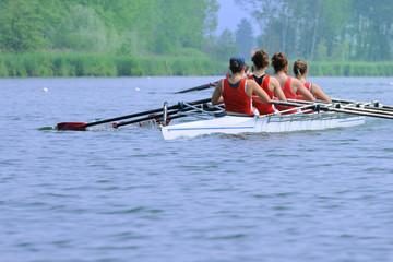 Canoa a quattro femminile
