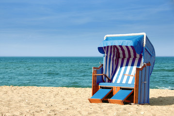 Strandkorb am Meer 312