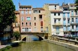 Fototapety Les maisons près du canal de la Robine à Narbonne