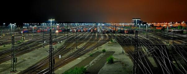 Rangierbahnhof Maschen bei Hamburg bei Nacht Panorama