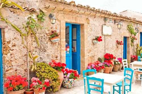 Tradycyjny sycylijski village alley
