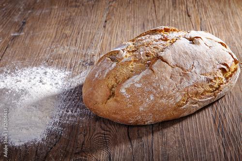 Brot mit Mehl